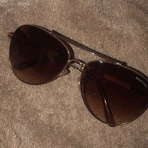 Reaction KENNETH COLE SUNGLASSES